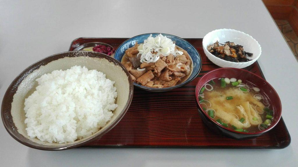 新利根川松屋のモツ煮込み定食