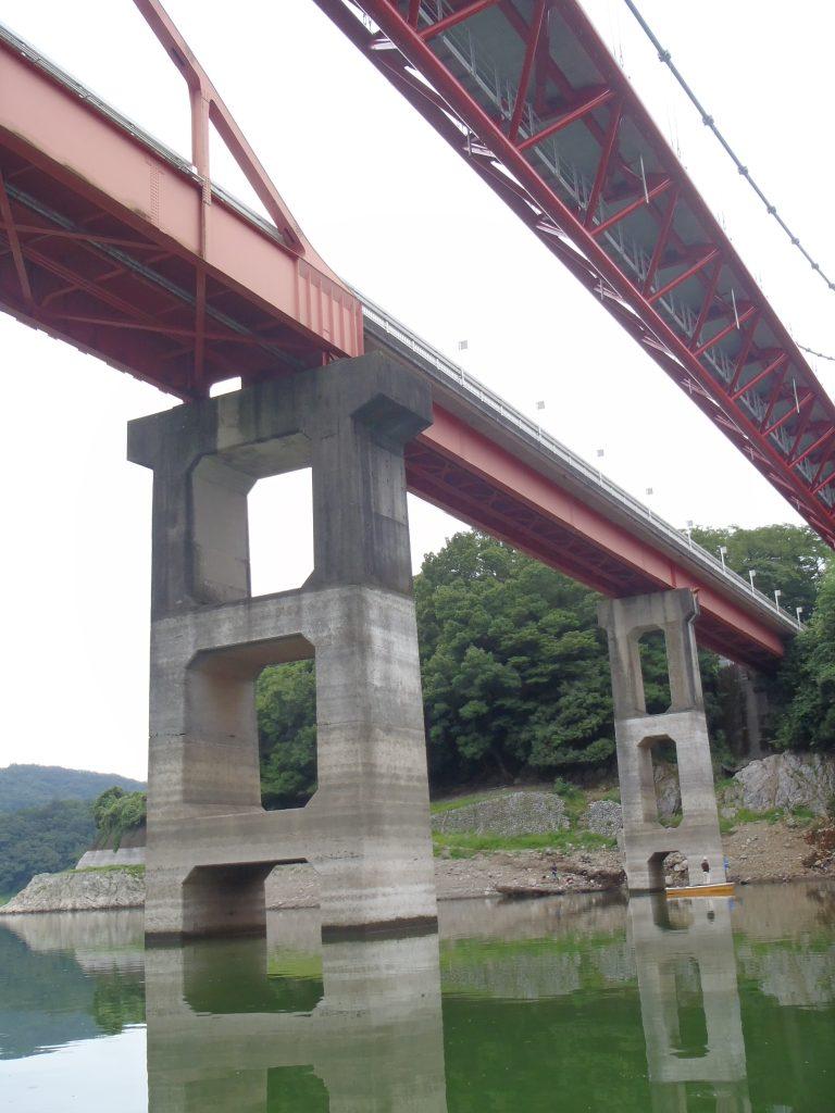 津久井湖の三井大橋