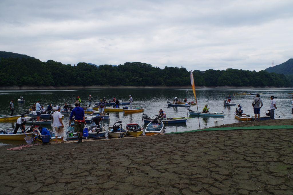 減水の津久井湖ウェイイン