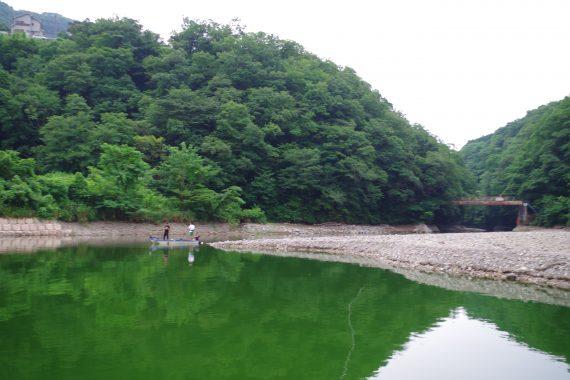 相模湖秋山川