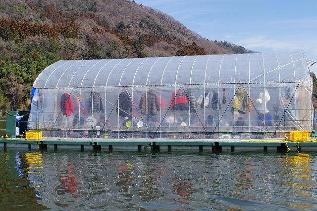 津久井湖ワカサギドーム船